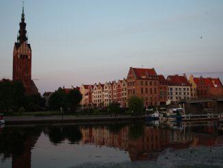 Foto: Blick auf die Nikolaikirche und das Zentrum von Elbing/Elblag, Ludwig Schneider, CC-BY-SA-3.0,2.5,2.0,1.0