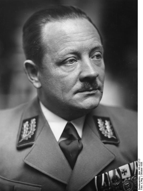 Erich Koch, Gauleiter von Ostpreußen, Foto: Bundesarchiv, Bild 183-H13717 / CC-BY-SA