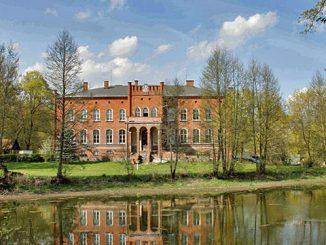 Schloss Juditten (Judyty), Geburtsort des BMW-Gründers