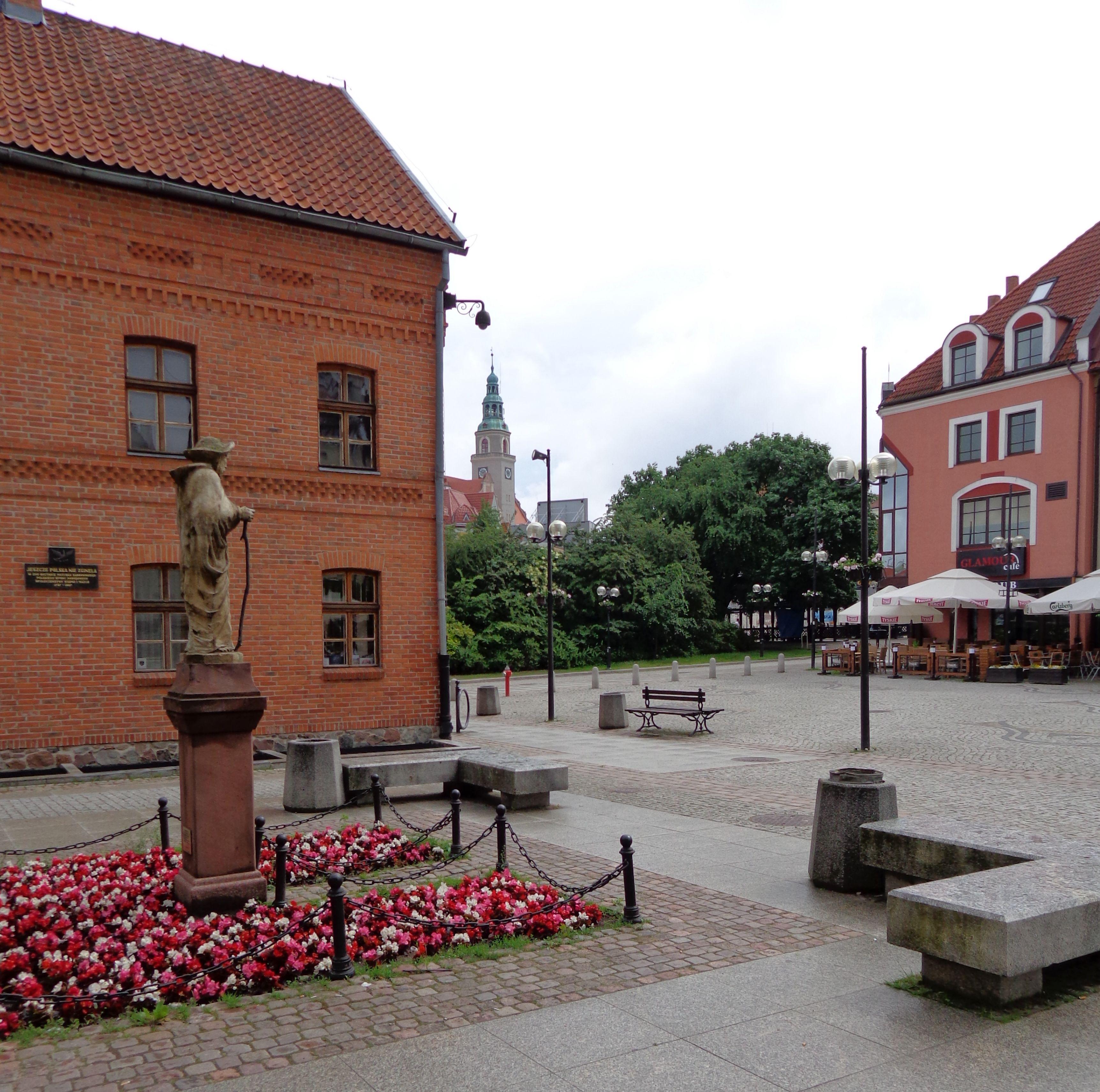 Targ Ribny Olsztyn/Allenstein mit Gazeta Olsztynska und Neuem Rathaus im Hintergrund, Foto: B. Jäger-Dabek,