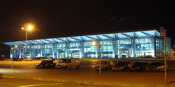 Evakuierung, Polen, Internationaler Flughafen Charkiw