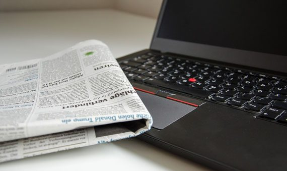 Zeitung lesen: Papier oder online Foto: pixabay.com © USA-Reiseblogger CC0