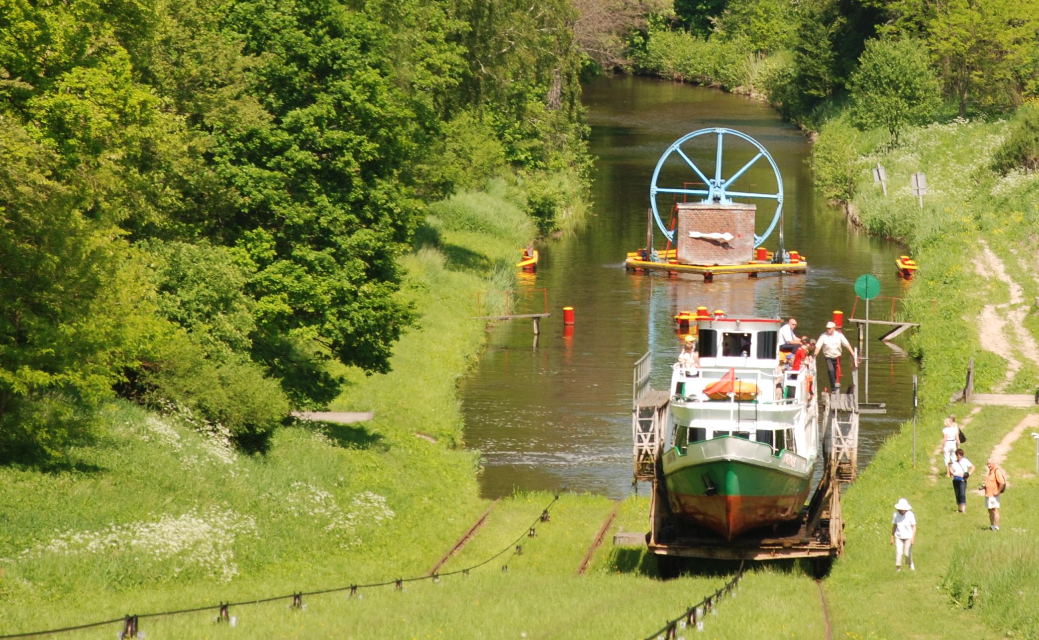 Oberlandkanal - Wo Schiffe über Land fahren, Foto: B.Jäger-Dabek