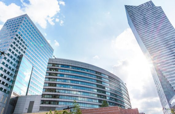 Moderne Business-Zentren wachsen in Polen wie Pilze aus dem Boden, Foto: pixabay.com, CC0