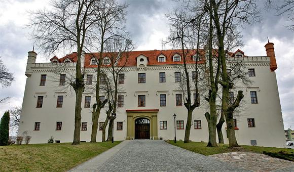 Hotel Schloss Ryn / Rhein, Foto: E.Giedraitis, GFDL, GNU